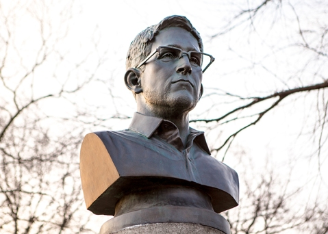 Jeff Greenspan, Prison Ship Martyrs Monument 2.0 (The Edward Snowden Bust)